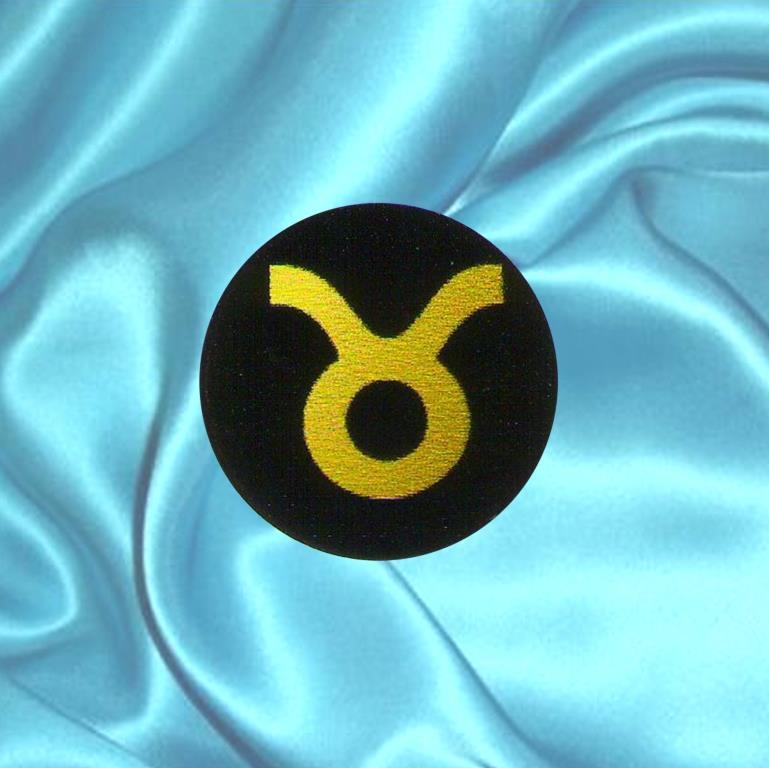 """Пластинка для сотового телефона знак Зодиака """"Телец"""" из шунгита."""