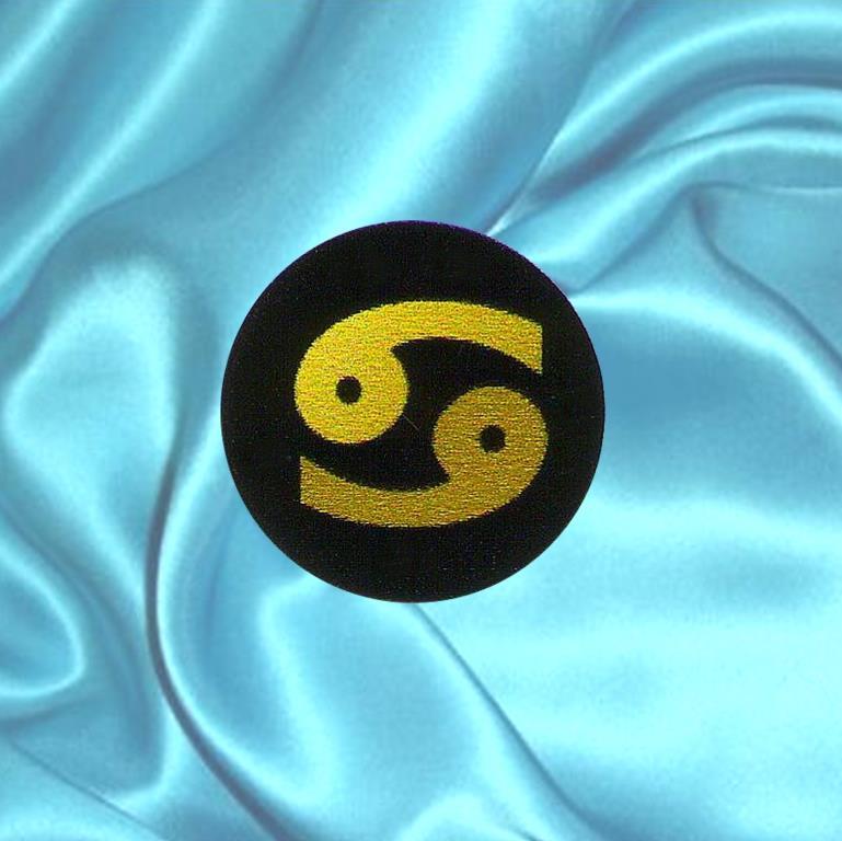 """Пластинка для сотового телефона знак Зодиака """"Рак"""" из шунгита."""