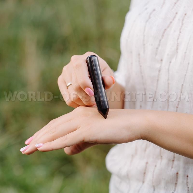Карандаш массажный односторонний полированный из шунгита.