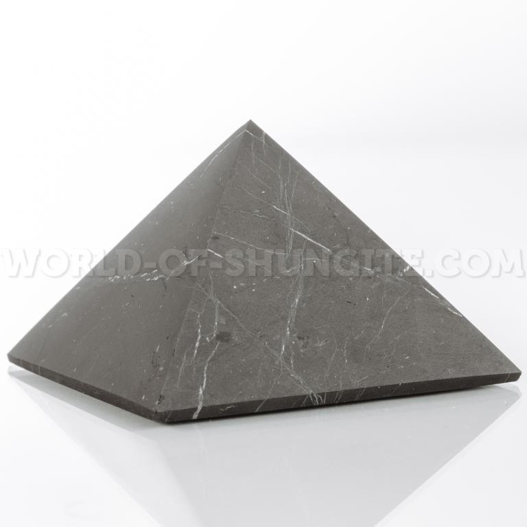 Пирамида неполированная 9 см