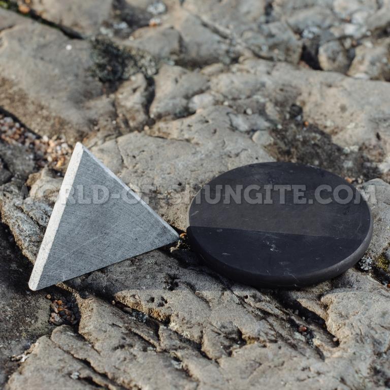 Карманные гармонизаторы шунгит и талькохлорит неполированные