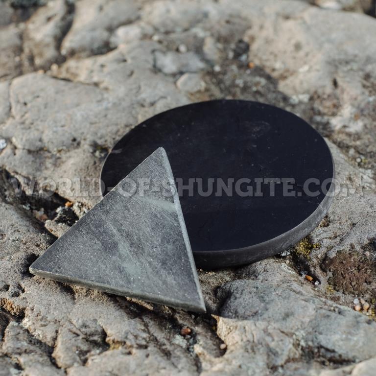 Карманные гармонизаторы шунгит и талькохлорит полированные