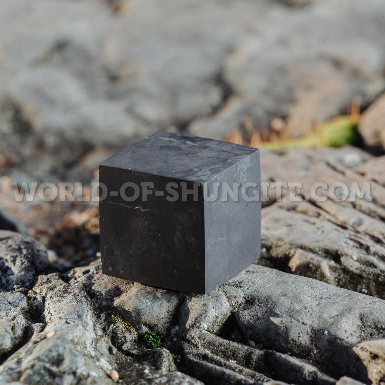 Куб шунгитовый неполированный 3 см
