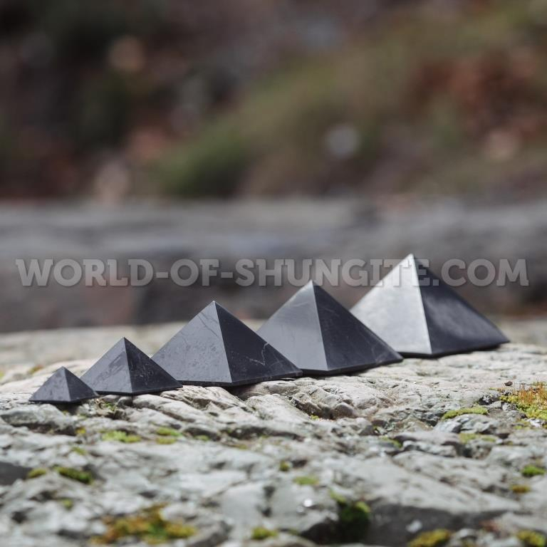 Пирамида полированная 6 см