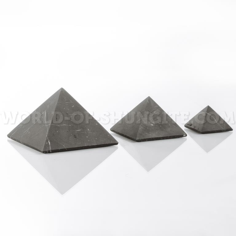 Пирамида неполированная из шунгита 10 см