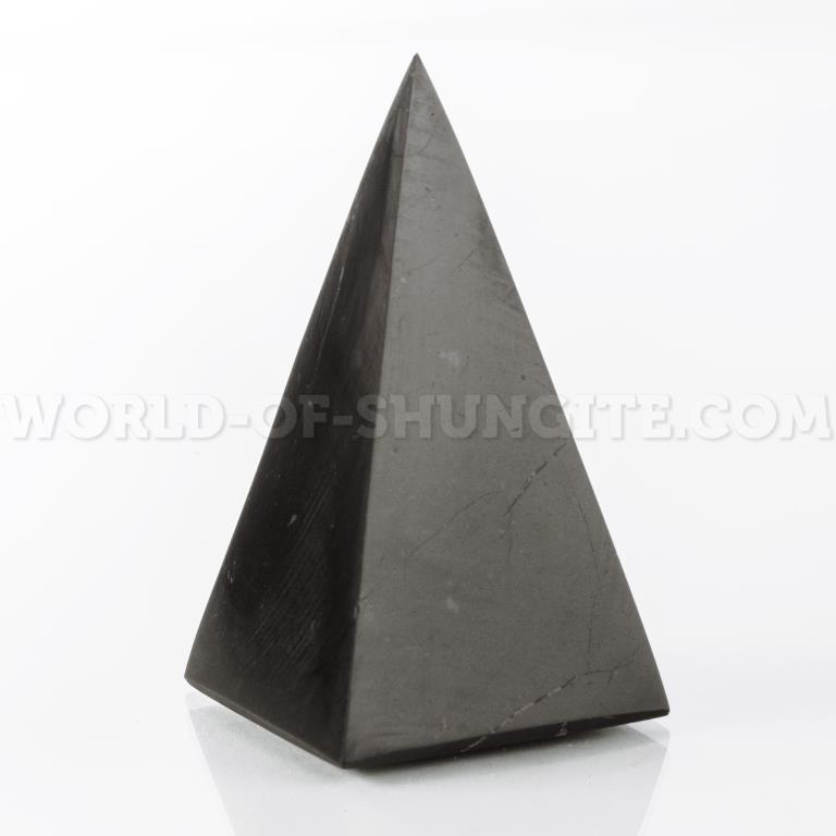 Пирамида Голода полированная из шунгита 5см.