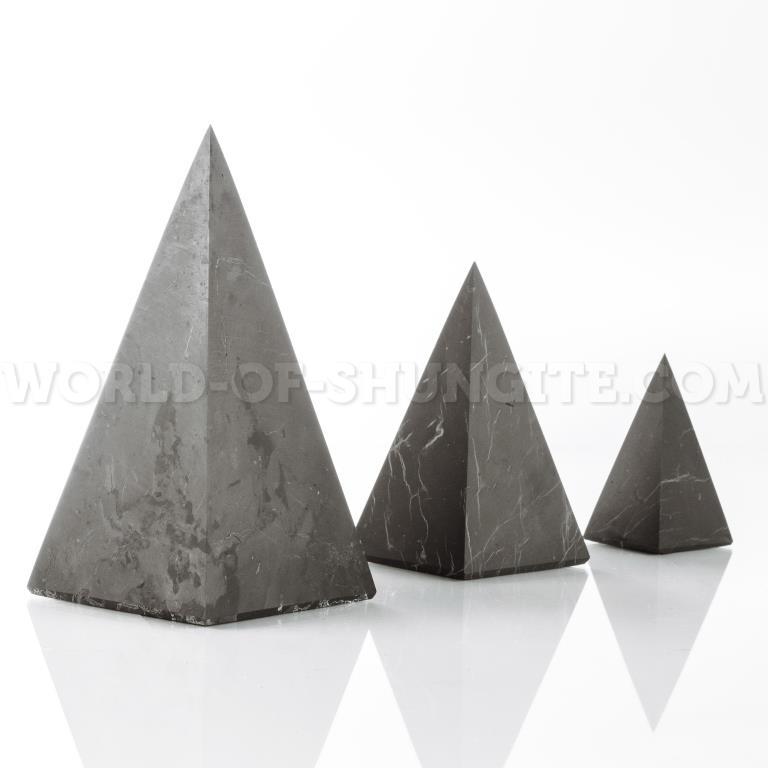 Пирамида Голода неполированная из шунгита 7см