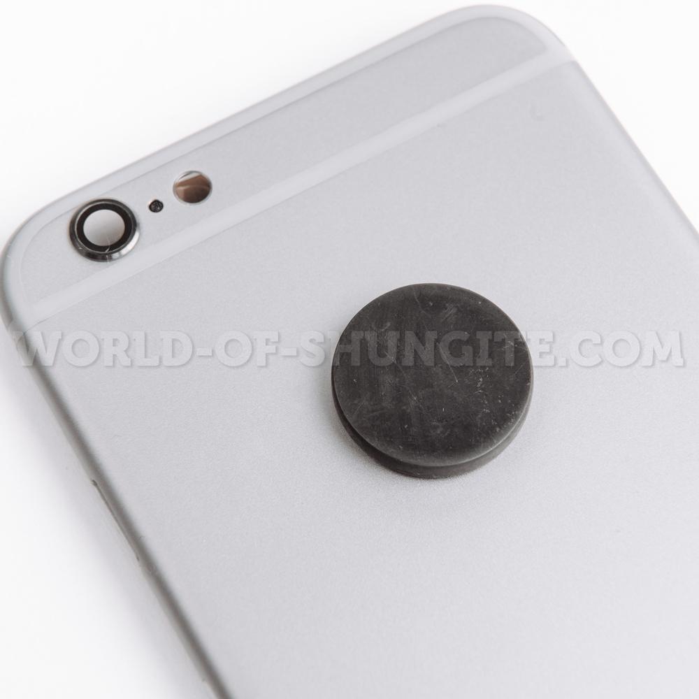 Пластинка для сотового телефона полированная круглая 19 мм  из шунгита.