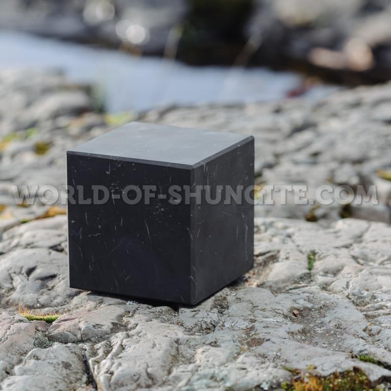 Куб шунгитовый неполированный 8 см