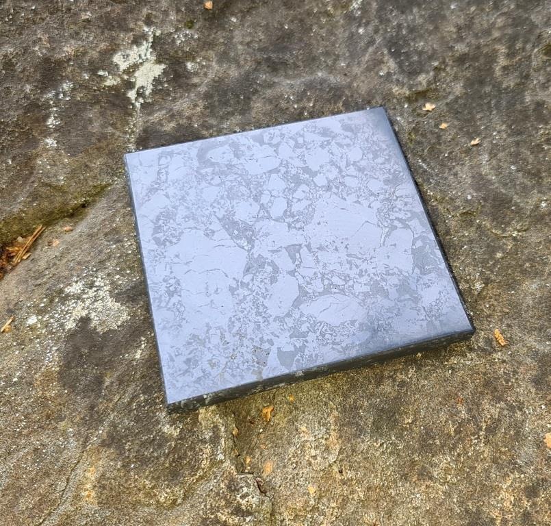 Плитка шунгитовая полированная 10x10cm